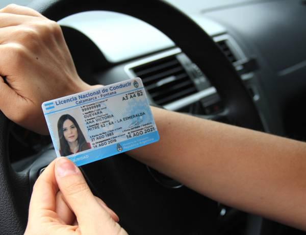 Licencia de conducir digital: ¿tiene validez para circular?